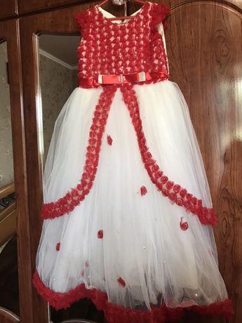 Нарядне плаття для принцеси!!!