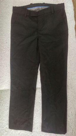 Spodnie 116cm czarne chłopięce garniturowe