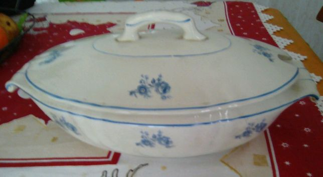 Terrina Vintage de porcelana (sem uso)
