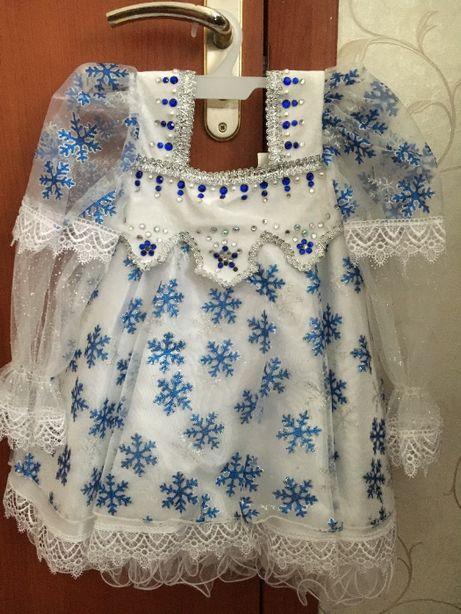 Продам новогоднее платье Снежинка