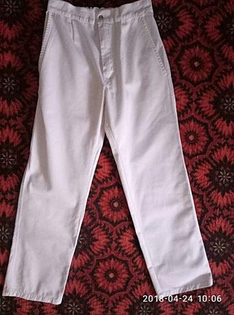 Штаны, брюки, джинсы МЕДИЦИНСКИЕ, размер по бирке 42. СОСТОЯНИЕ НОВЫХ!