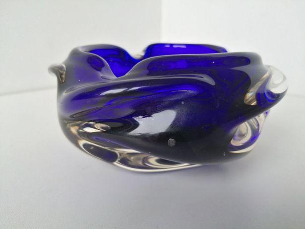 Kobaltowa popielnica, Murano