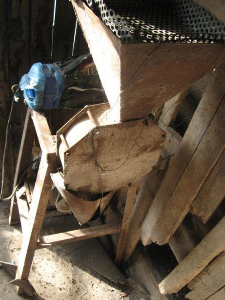 Дробилка для зерна, крупорушка