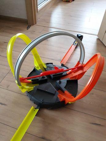 Hot Wheels Трек Хот Вилс Революционные гонки FDF26