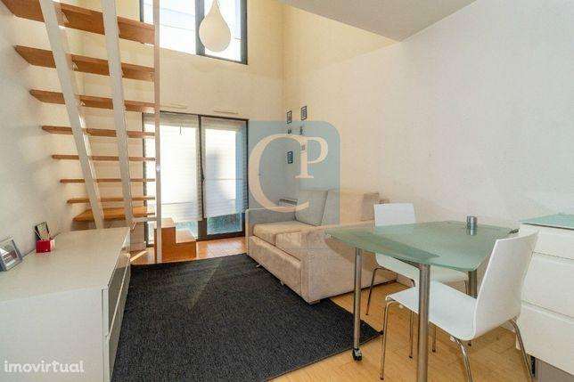 T0 Loft Duplex, mobilado e equipado, ao Norte Shopping