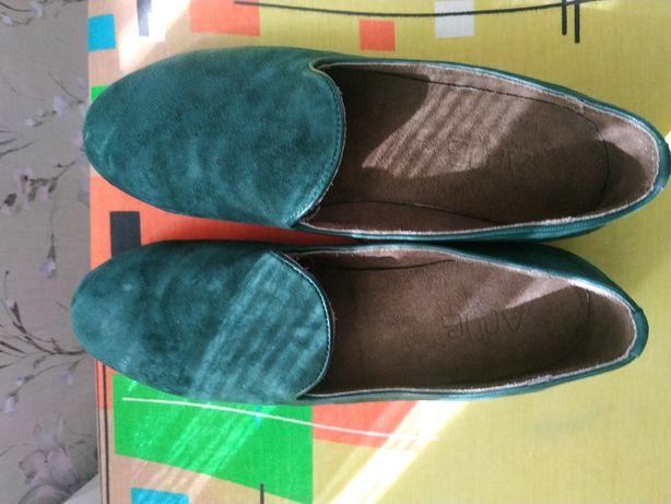продам замшевые туфли