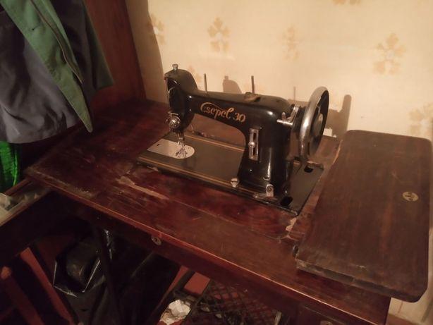 Винтажная швейная машинка Csepel, 1950-е, самовывоз Харьков