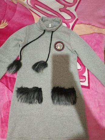 Продам, тунику, свитер на девочку р.140