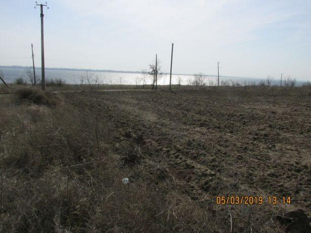 Продам дачный земельный участок --- 10 соток (приватизированных).