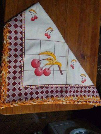 Toalha de Mesa - Acabamento em Croché