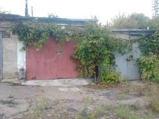 Продам гараж в Киевском р-не по ул Павла Поповича светофор 1