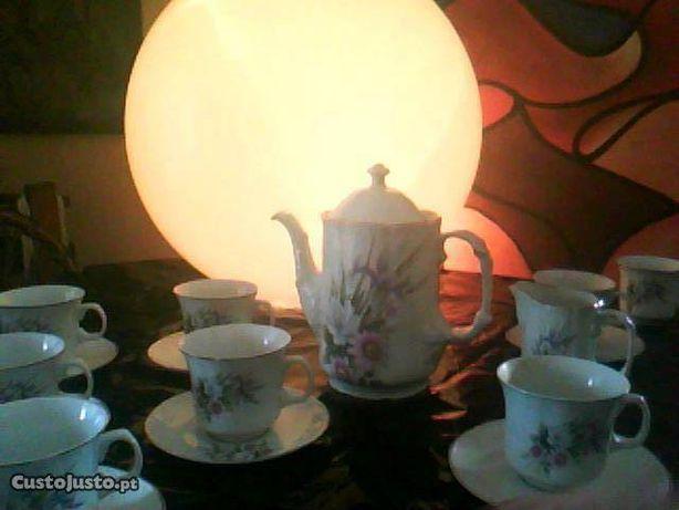 Serviço de chá e café 12 pessoas oferta 1 toalha de mesa