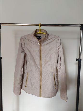 Pikowana cienka kurtka