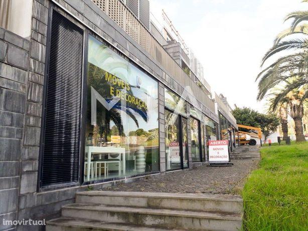 Espaços Comerciais em São Bento - Angra do Heroísmo