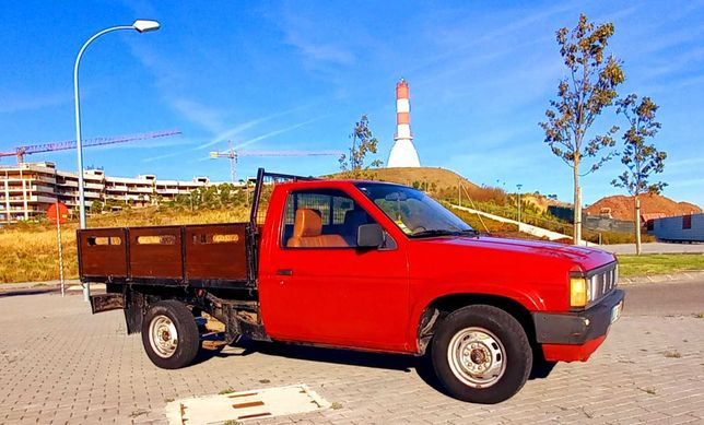Pick up Nissan D 21 - Motor 2.5 - 3 Lugares