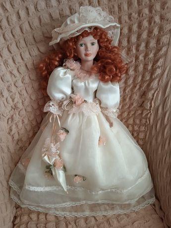 Фарфоровая кукла 60 см высота