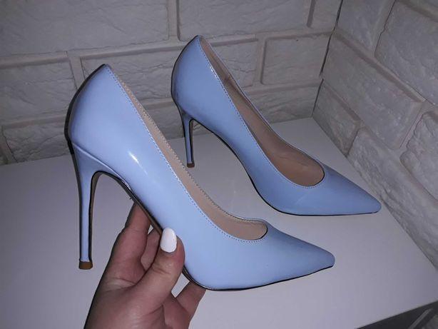 Новые туфли небесного цвета