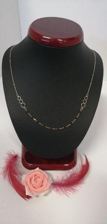złoty piękny łańcuszek z czarnymi koralikami cudeńko