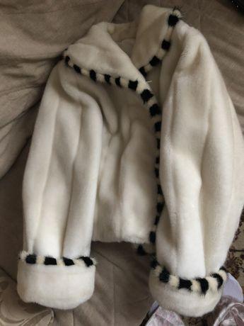 Фирменное зимнее пальто пуховик MNG. Очень красиво смотрится , тёплое,