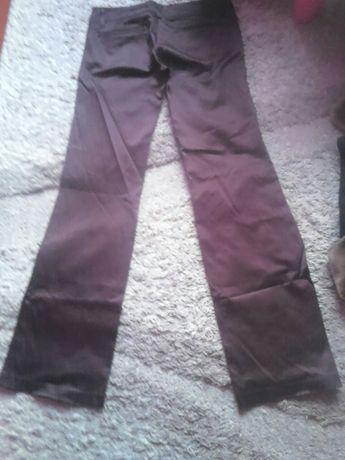 Spodnie Bershka trend label