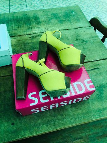 Sapato amarelos Seaside