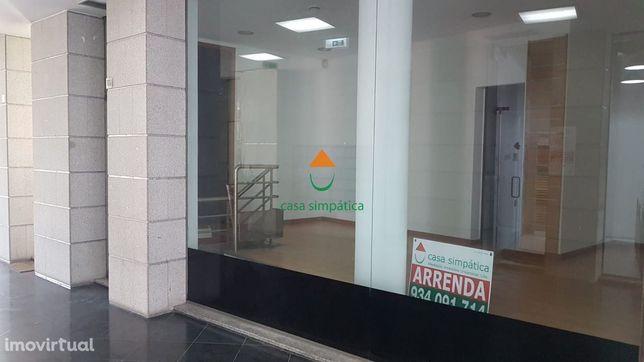 Loja centro de Gondomar (São Cosme) c/ parque estacionamento
