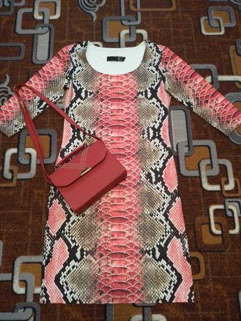 Пакет одягу 42-44 р + 2 сумочки