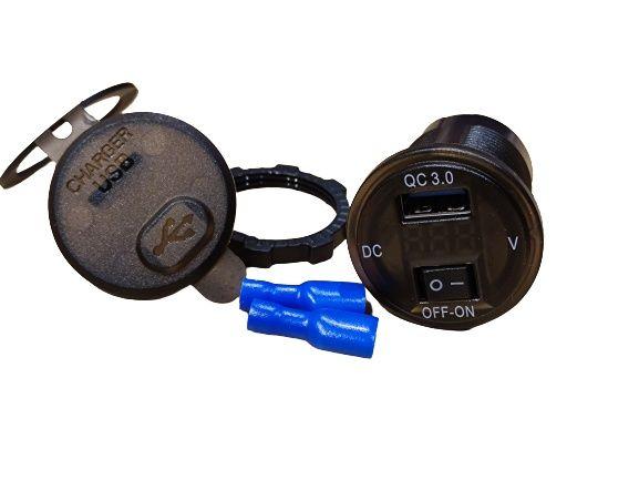 Ładowarka woltomierz do auta gniazdo USB QC 3.0