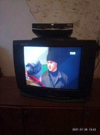 Продам Телевизор Lg, тюнер HD в подарок