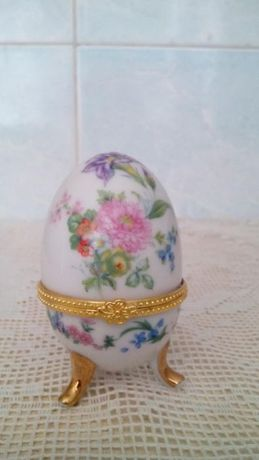 Яйцо-шкатулка.