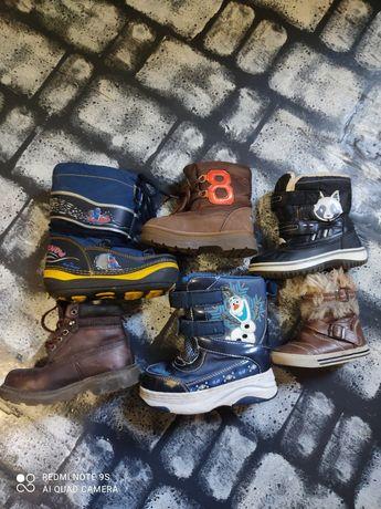 Зимние  и осенние ботинки разные размеры 21,25,26,24,28