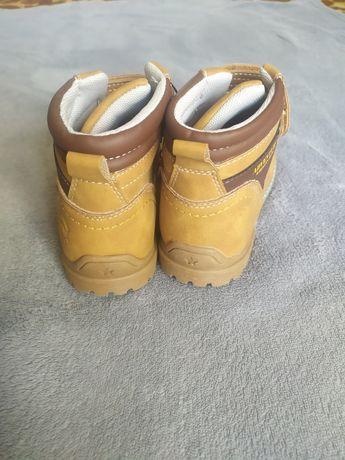Продам дитяче взуття (демі)