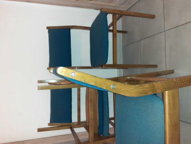 Krzesła drewniane z prlu