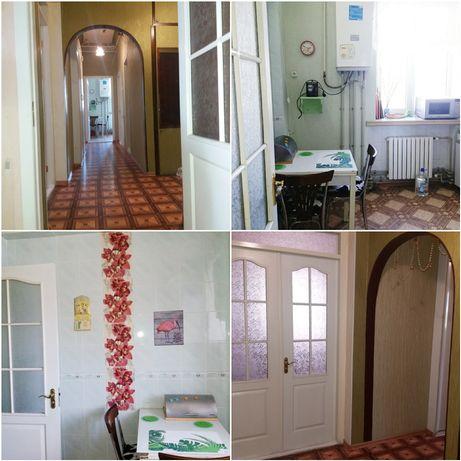Продам 3-х комнатную квартиру в центре ( Сталинка)