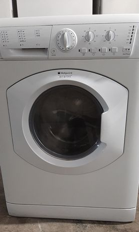Oportunidade Máquina de lavar e secar roupa Ariston hotpoint