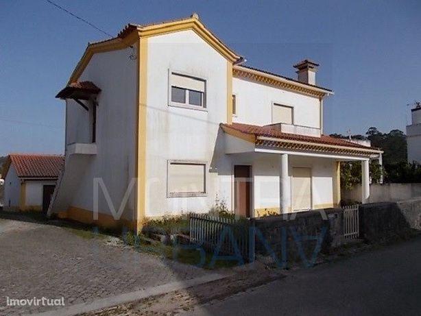 Moradia T6 (538 m2) Uni Familiar, Murada - Terreno (1.292 m2) - Dista