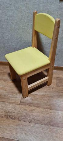 Продам дитячі деревяні крісла . 6шт