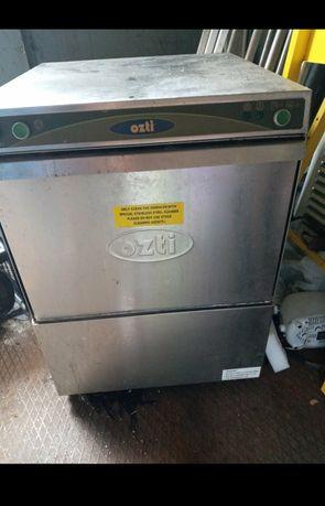Посудомоечная машина фронтальная профессиональная