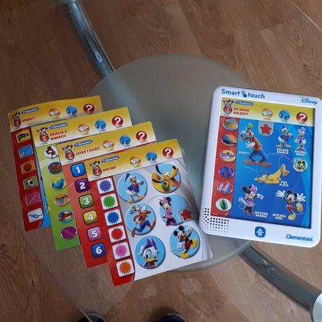 Tablet edukacyjny z 4 kartami wymiennymi.