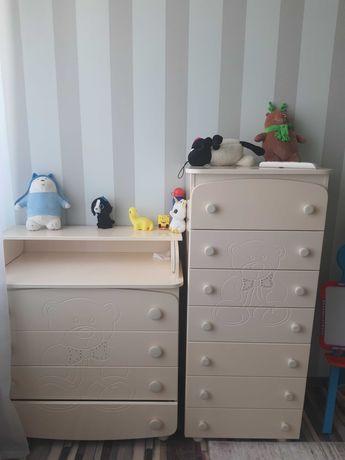 Шкаф, детская кровать, комод, пеленальный стол с комодом