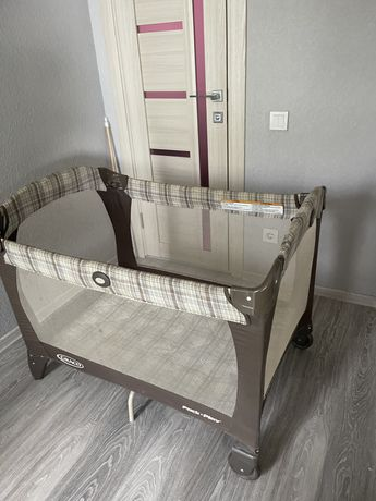Манеж кроватка Graco