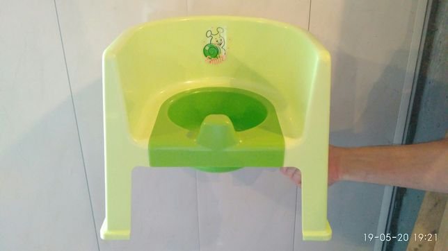 Продам детский горшок-стульчик+накладка на унитаз