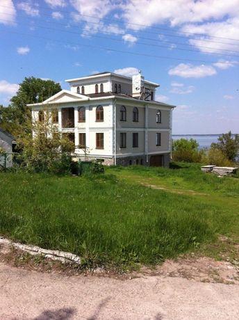 Подам без комисый от собственика 3 х этажны дом Верхнеднепровске 560