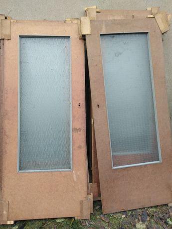 Drzwi wewnętrzne z szybą i pełne