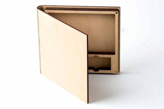 Подарункові коробки під фото та флешку.