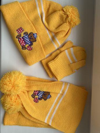 Набор шапка, шарф и варешки