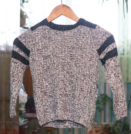 Теплый вязаный свитер на мальчика