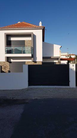 Alugo ano, belissima casa nova com piscina a 700m praia