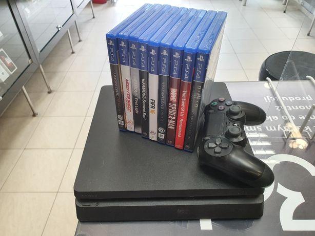 Duży zestaw dla gracza! Konsola PlayStation 4 Slim 500GB + gry/ Gwar!