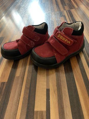 НОВЫЕ замшевые ботинки для малыша
